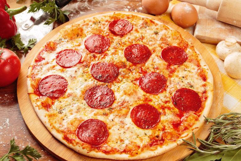 Выиграй пиццу, роллы или сет!
