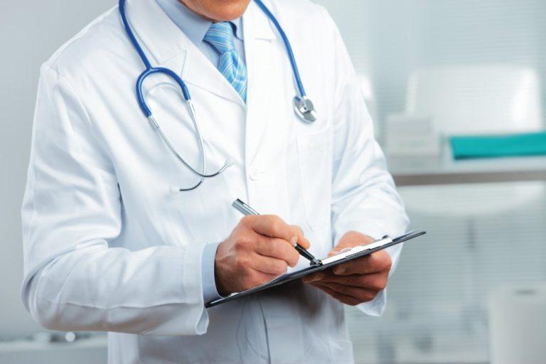 Зауральский врач Целинной ЦРБ удостоен звания «Лучший медицинский работник недели»