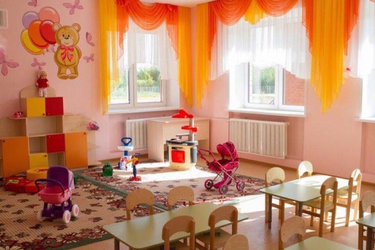 Строительство детсада и пристроя в Заозерном подходит к концу