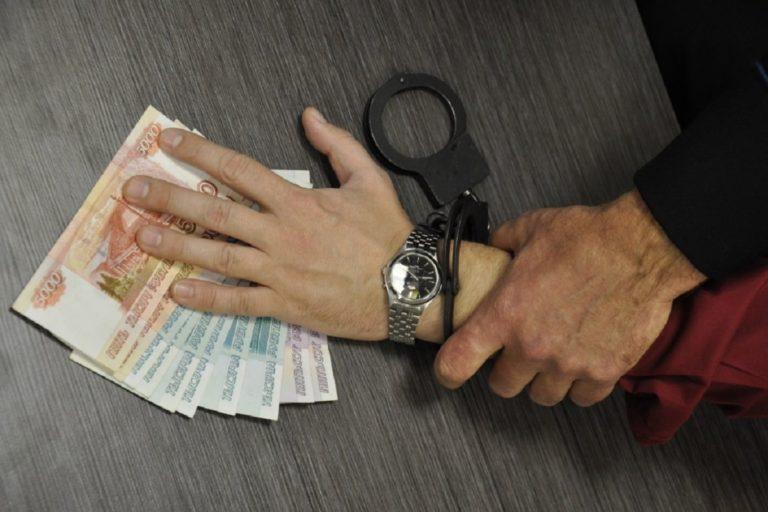 Курганцев просят сообщать о фактах коррупции судебных приставов
