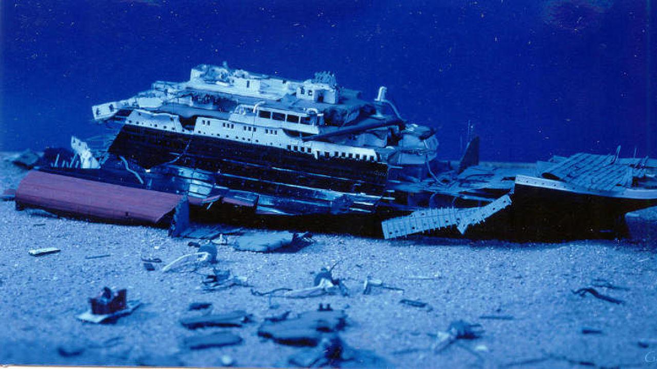 находиться фото реального титаника под водой этим нехитрым