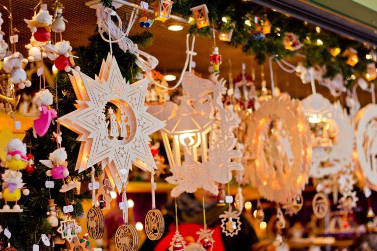 В Кургане состоятся аукционы на право участия в новогодней торговле
